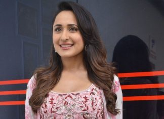 Pragya Jaiswal Latest Hot Pics
