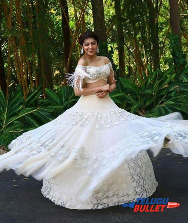 Pranitha Latest Photos1