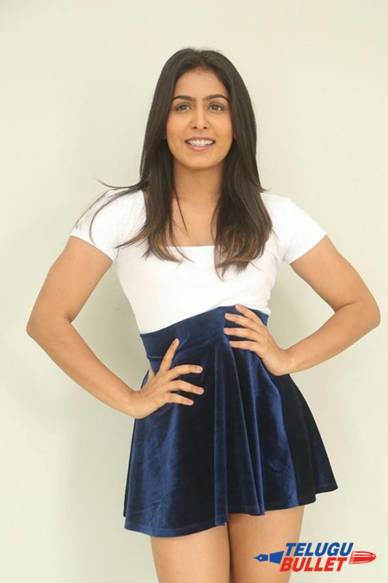 Actress Samyuktha Latest Photo2