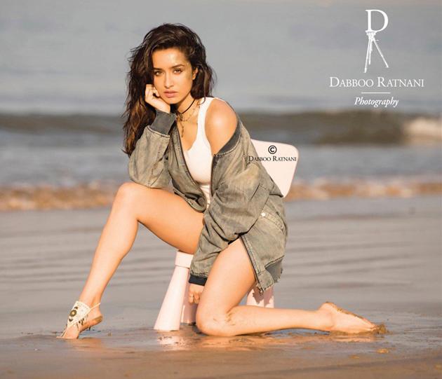 Dabboo-Ratnani-2018-Calendar-Photos1