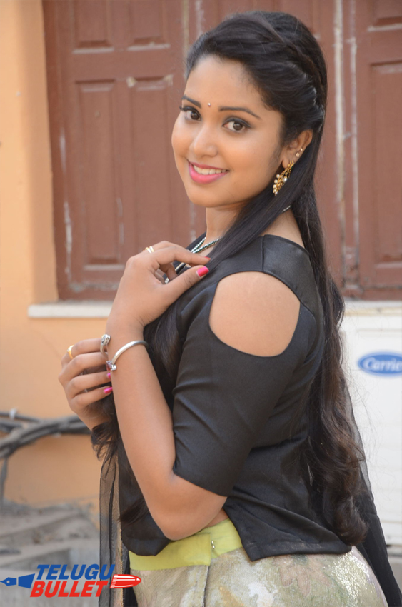 Himansi Latest New Photos2