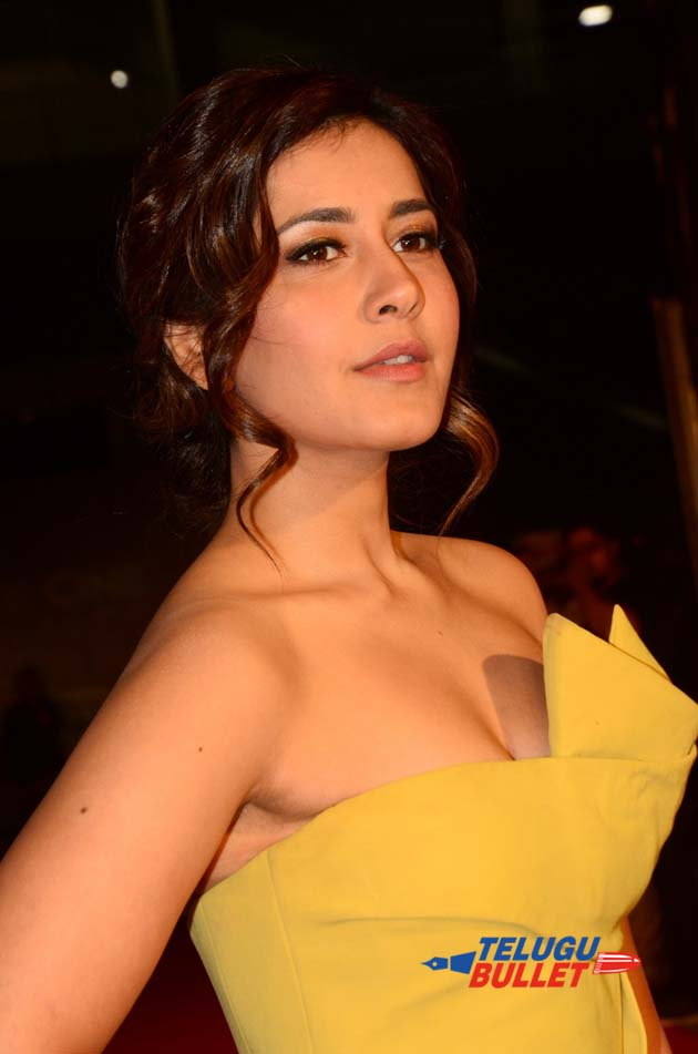 Raashi Khanna at Zee Cine Awards1