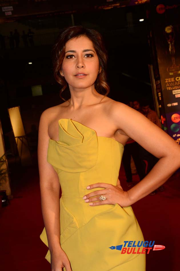 Raashi Khanna at Zee Cine Awards2