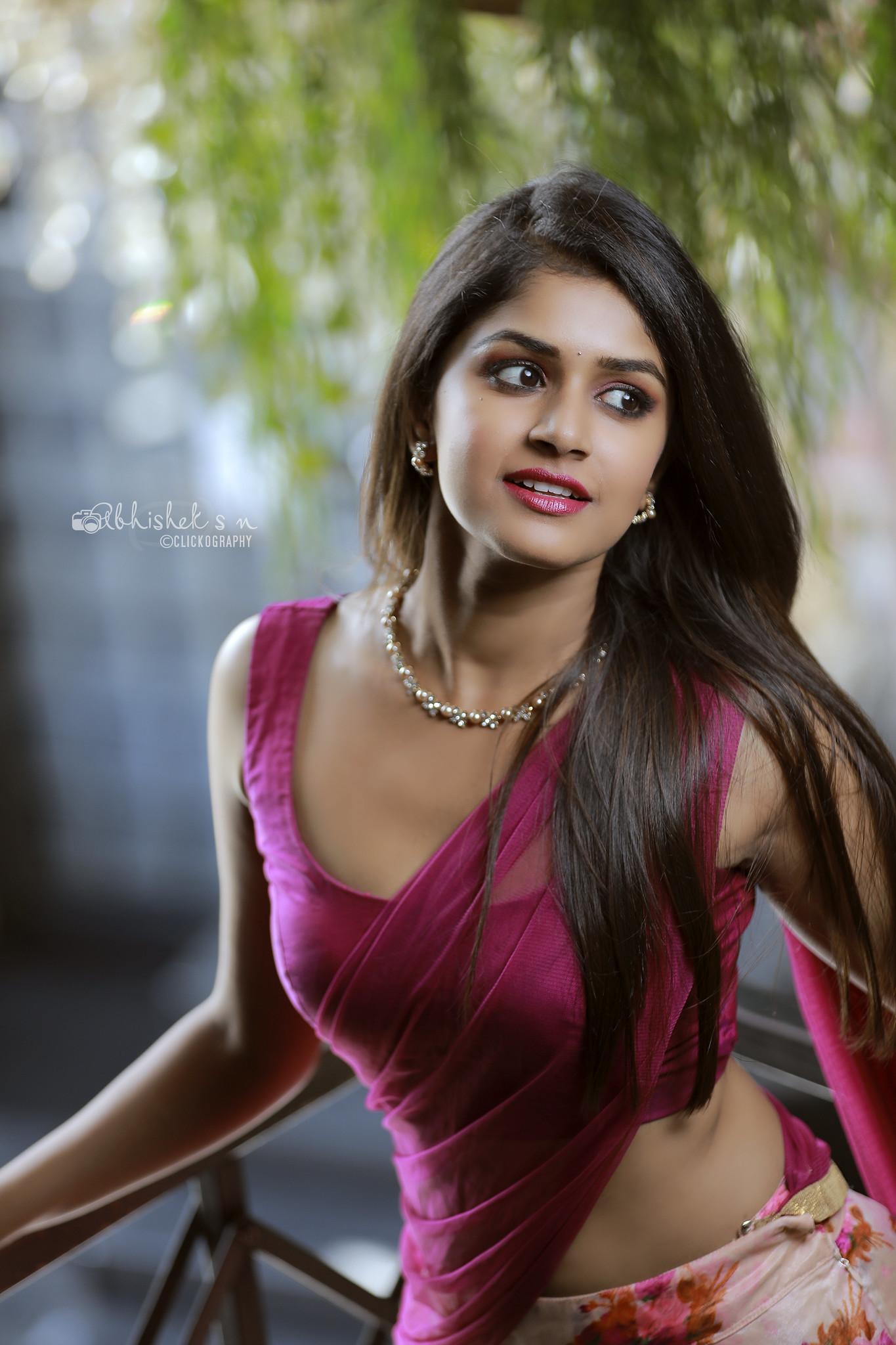 Sanjana-Anand-Hot-Saree-Photos-1