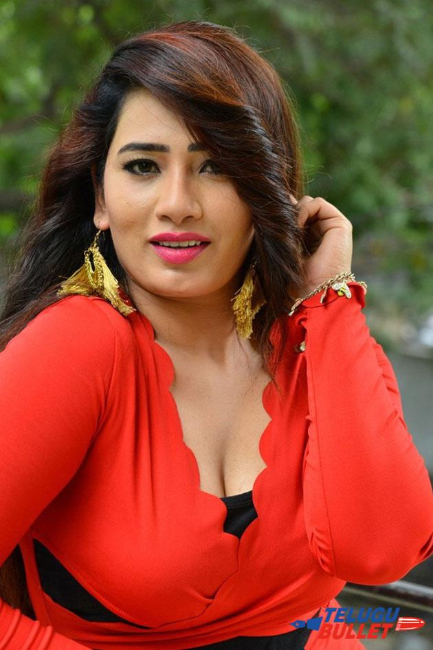 Sanjana Naidu Latest Photo Shoot Photos