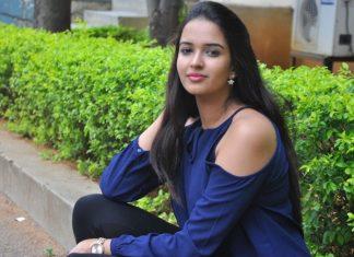 Poojitha Ponnada Latest Hot Photos